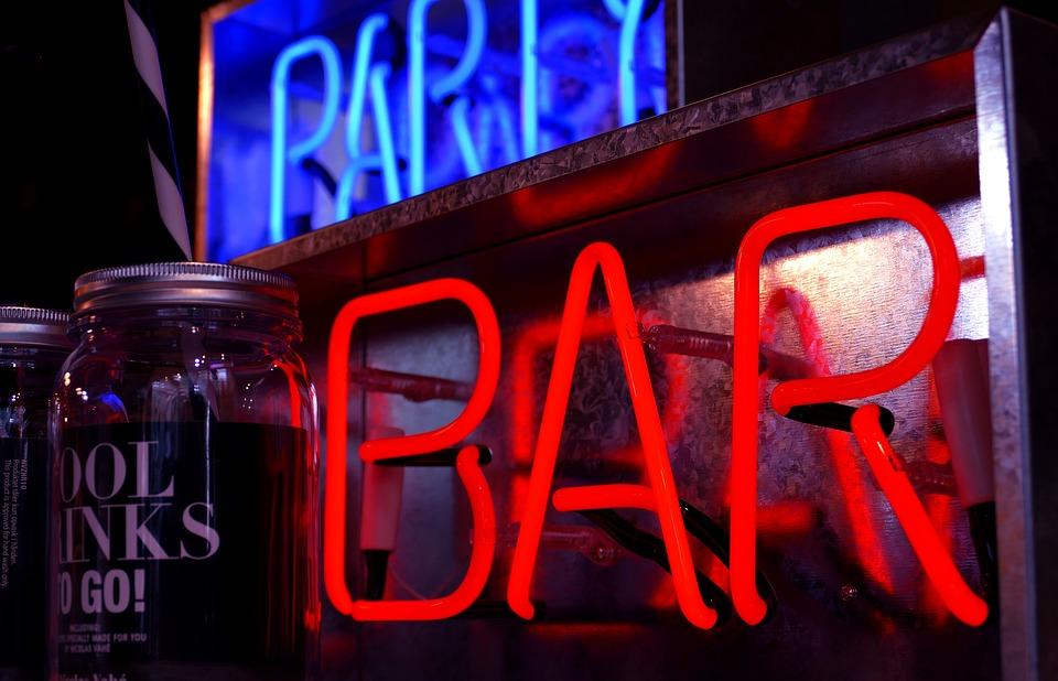 bar-3047514_960_720